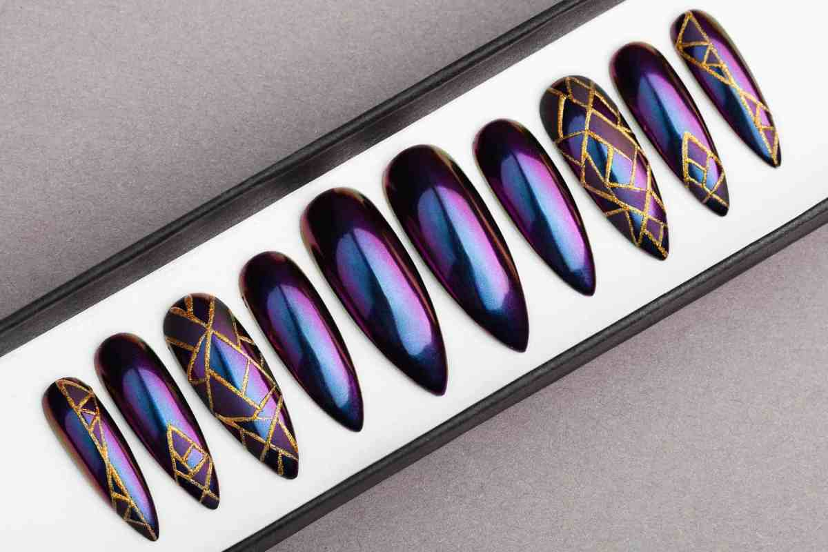 Mirror Chrome Press on Nails with Geometric Ornament