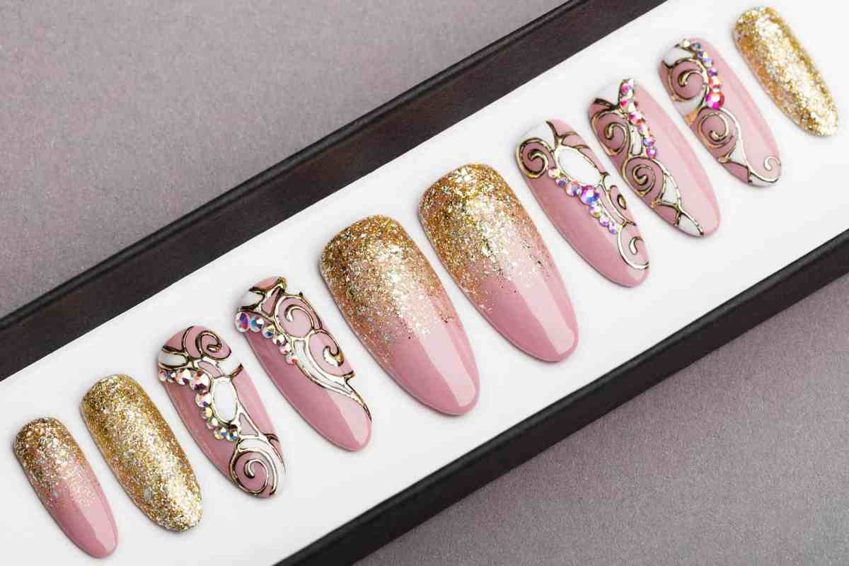 Pink and Gold Press on Nails with Swarovski | Fake Nails | False Nails | Golden tracery | Handpainted Nail Art | Glitters