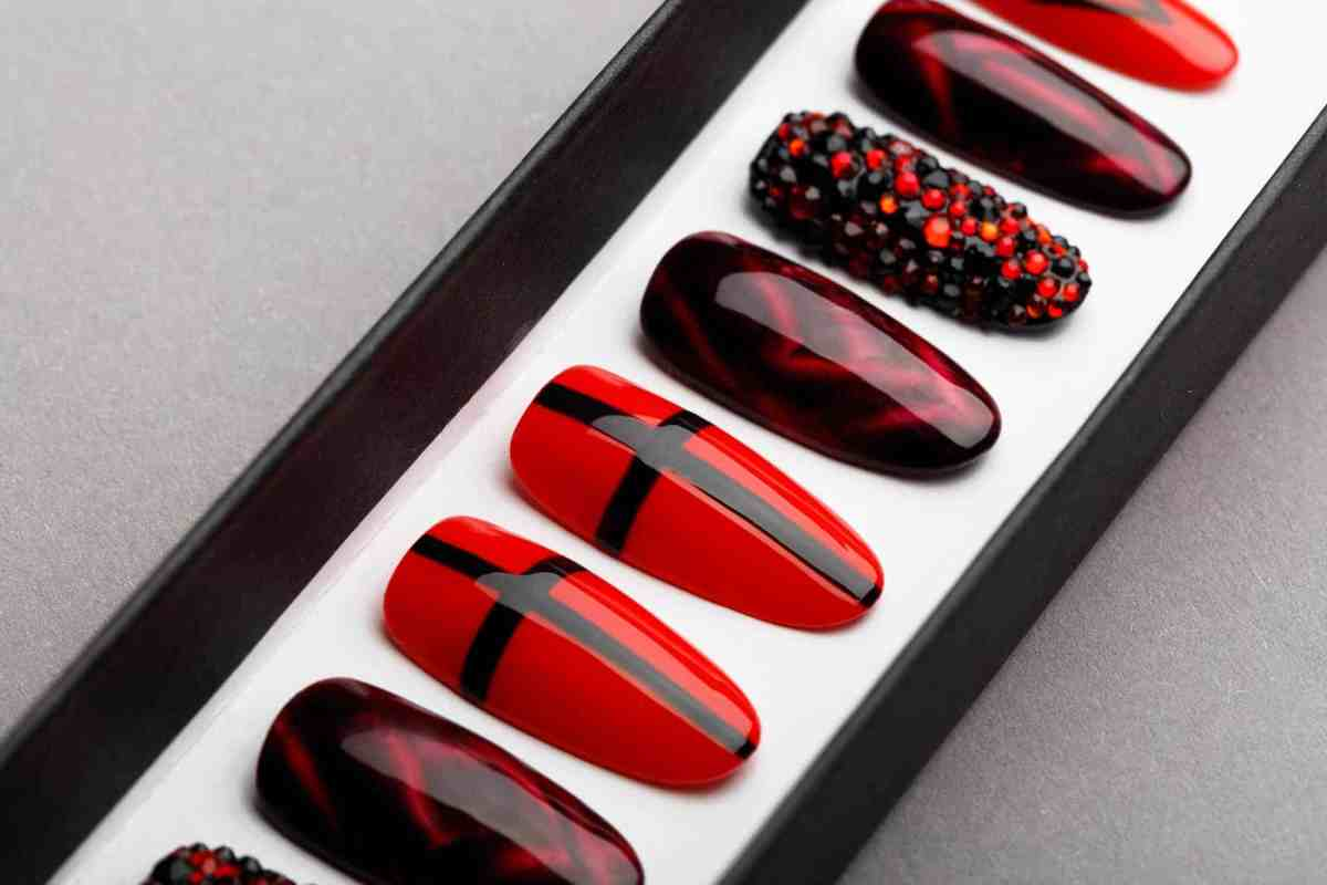 Red & Black Press on Nails with Swarovski Crystals | Hand painted Nail Art | Fake Nails | False Nails | Goth Nails