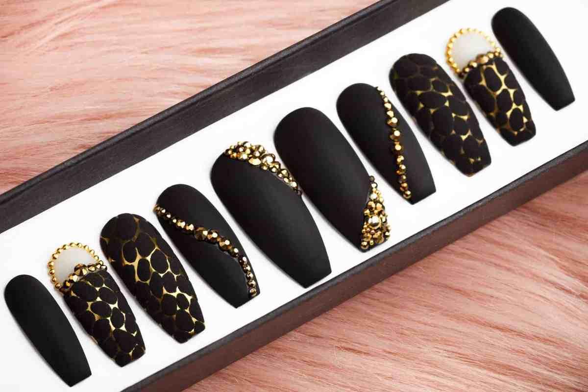 Golden Net Press on Nails