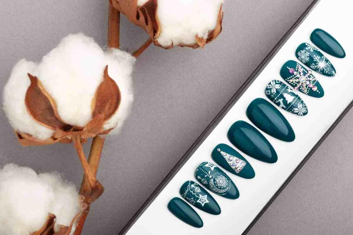 press on nails for Christmas