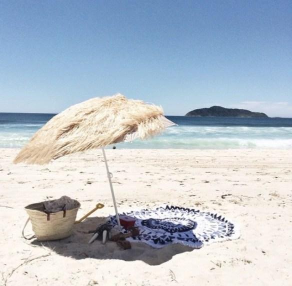 beachpeople18-640x628