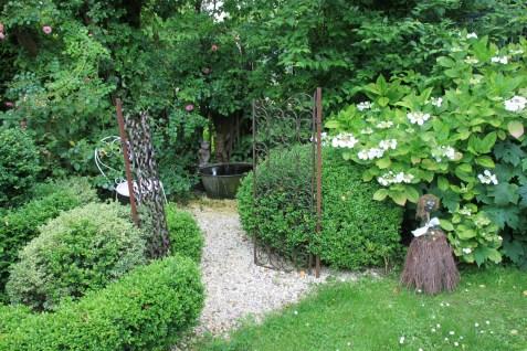 Le jardin de la goutte d'eau - la fontaine au gnome
