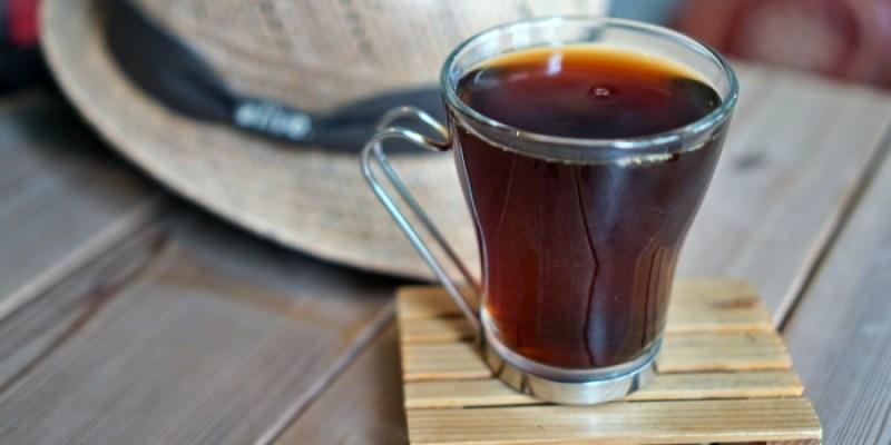 台東都蘭咖啡廳|逗留豆遊,自家烘焙咖啡佐可愛雪納瑞托托