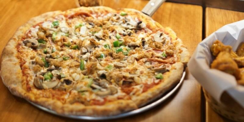 新北新店披薩 The Shack野菇屋Pizza,披薩上放鳳梨是合法的!