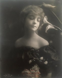 Lillian Gish - Hoover Art Studios, Los Angeles