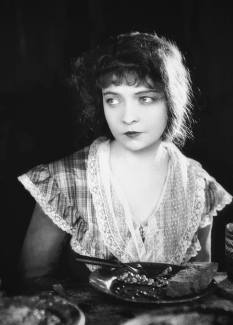 Lillian Gish - The Wind (1928) - Nov 27 USA