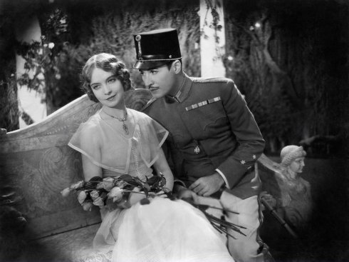 one romantic night, lillian gish, rod la rocque, 1930 everett collection inc