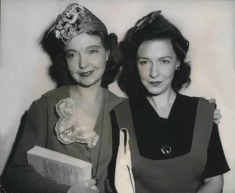 Lillian Gish and Dorothy Gish visiting Universal Studios in July 1943