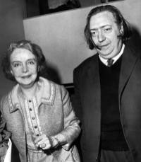 actress lilian gish invited to present extracts of her films in french film archive by his manager henri langlois on june 21, 1969 - famous actress lillian gish_ in paris for homage ev
