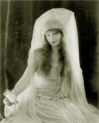 Elaine The Lilly Maid Dreaming of Astolat ... Lillian Gish - Way Down East