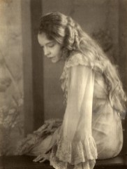 Universal Images Group 1930 Uncle Vanya (Helena) Lillian Gish
