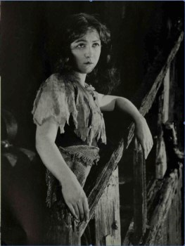 Dorothy Gish - Orphans of the Storm