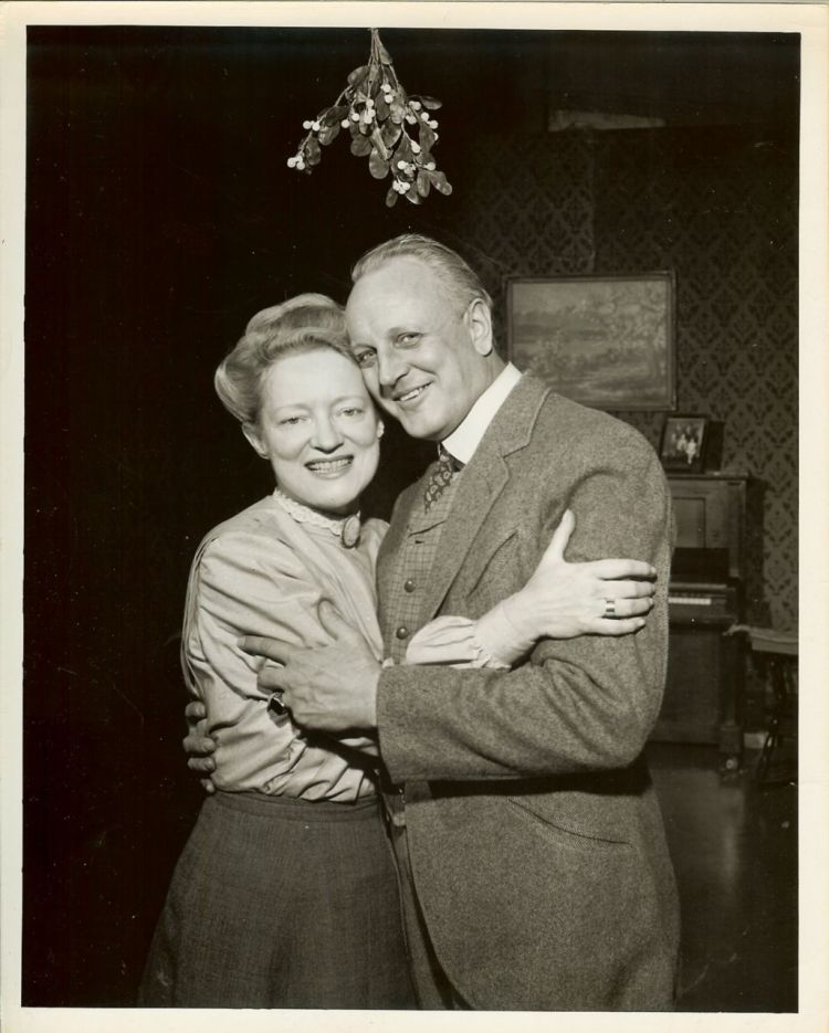 Peggy Wood and Judson Laire (Mama)
