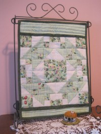 quilt holders for small quilts