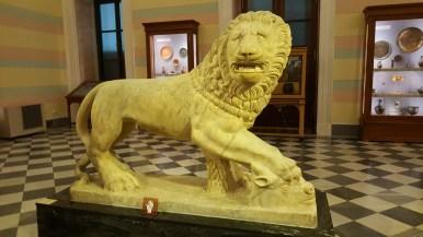好悲傷的獅子