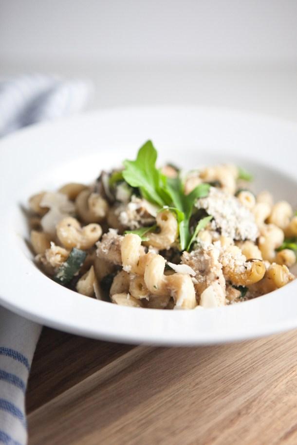 Skinny Macro Friendly Pasta Bake with chicken, mushrooms, spinach and cauliflower cream sauce