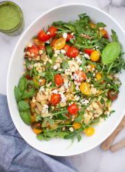 I can't get enough of this summer salad with bacon and corn. www.lillieeatsandtells.com
