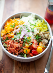 There's nothing better than a good, quick, delicious chopped salad. www.lillieeatsandtells.com