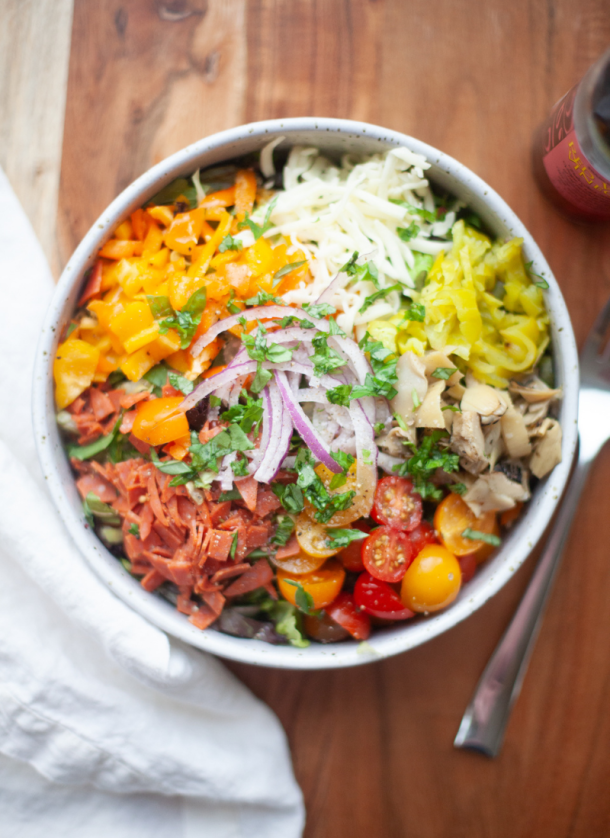This zesty italian salad is so fun and delicious www.lillieeatsandtells.com