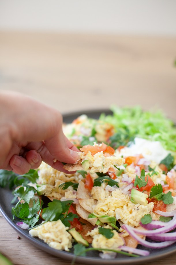 Healthy version of nachos for the macro counters and trackers. www.lillieeatsandtells.com
