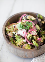 Your macros will thank you for this fresh and healthy taco salad www.lillieeatsandtells.com