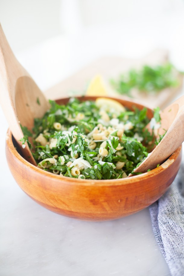 delicious herb and arugula pasta salad that fits your macros. www.lillieeatsandtells.com