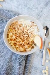 macro friendly apple crisp yogurt and cottage cheese bowl by www.lillieeatsandtells.com