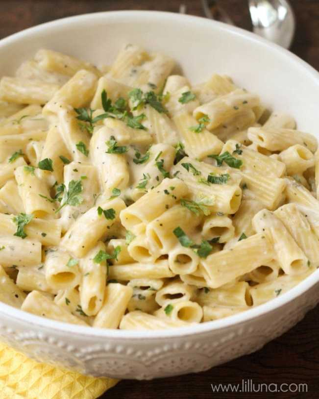 quick and easy dinner ideas, simple dinner ideas, quick dinner garlic penne pasta