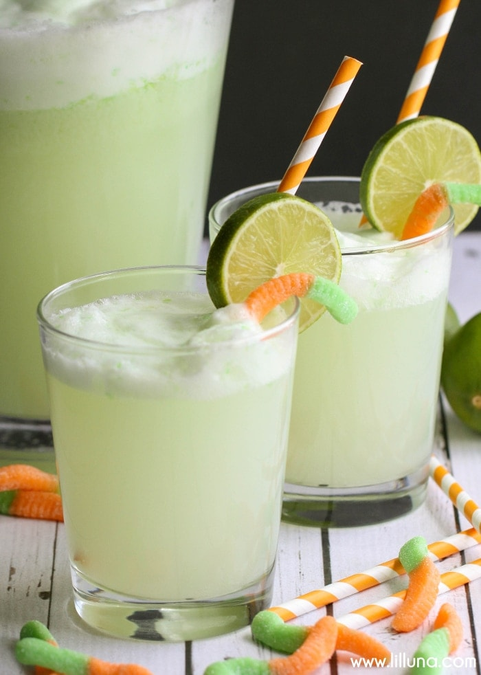 Witch's Potion Drink recipe - a chilled Lime and Pineapple mixture that is bubble and perfect for your next Halloween party! Get the recipe on { lilluna.com }