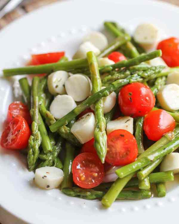 Asparagus Salad with Tomato and Mozzarella Lil Luna