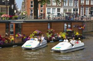 amsterdam-pedal-boat-rental-with-optional-heineken-experience-in-amsterdam-180461
