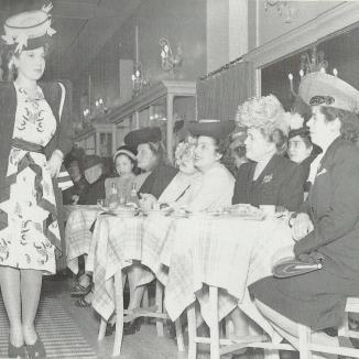 Sfilata Amazéins 1946