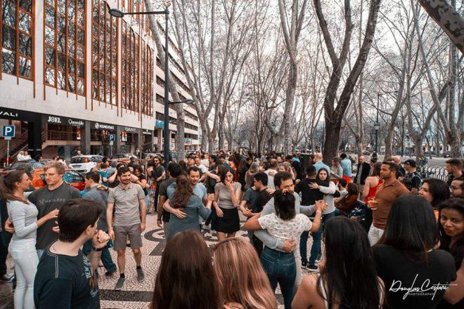 ballare in strada lisbona