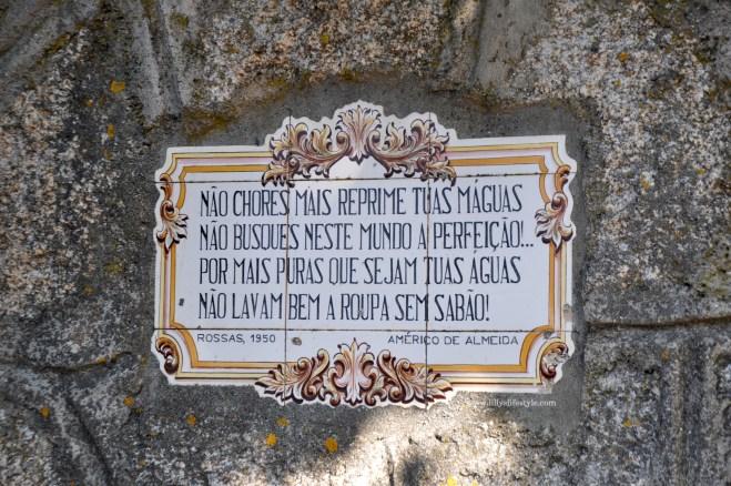 azulejos fonte Santa Comba de Rossas