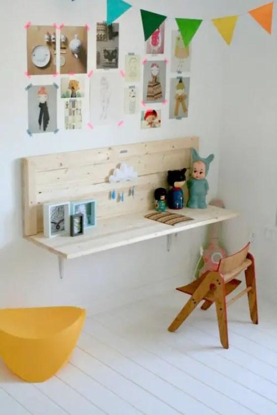 bureau-chambre-enfant-suspendu-pin-nature