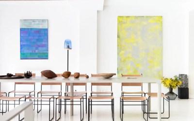 Zoom sur la magnifique table en béton ciré pour Zeuxis Art