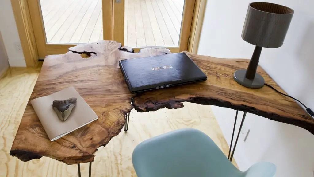 Bureau en bois live edge