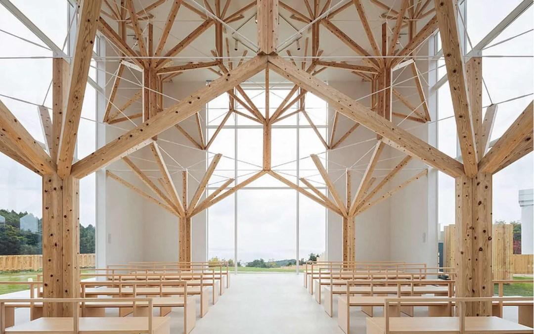 Assemblage de la structure d'une Chapelle à Nagasaki au Japon