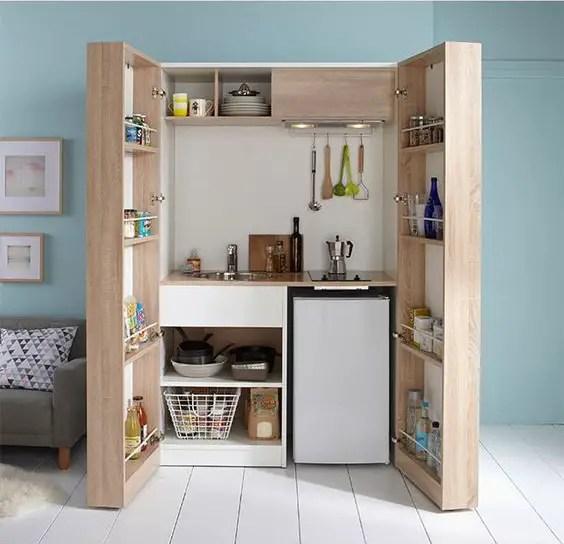 aménagement d'un petit espace, cuisine dans un placard