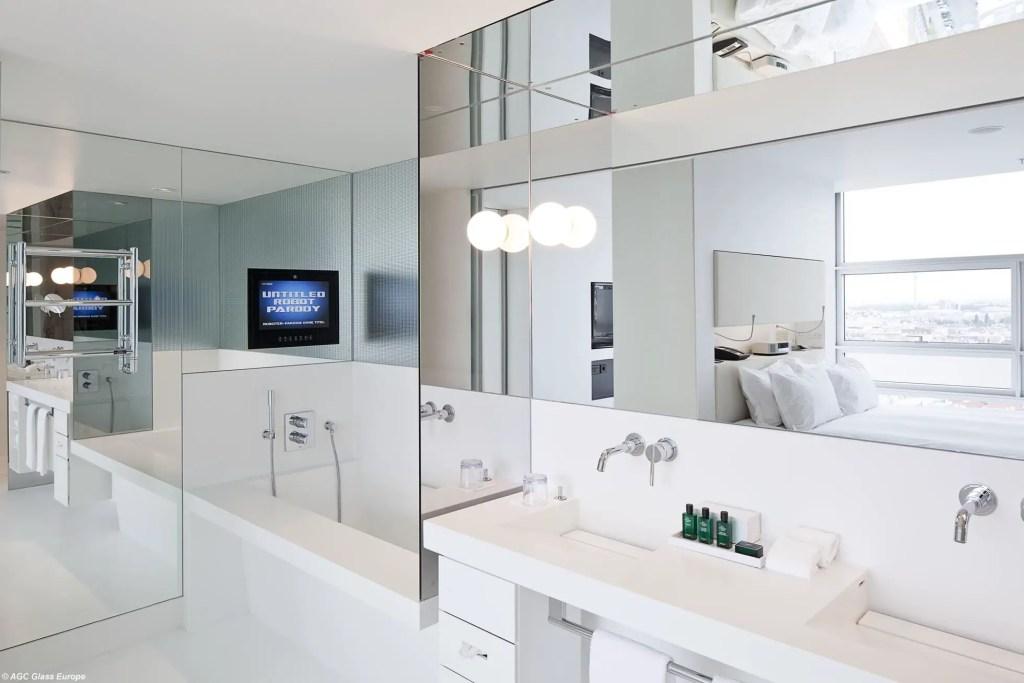 Miroirs sur-mesure dans la salle de bain
