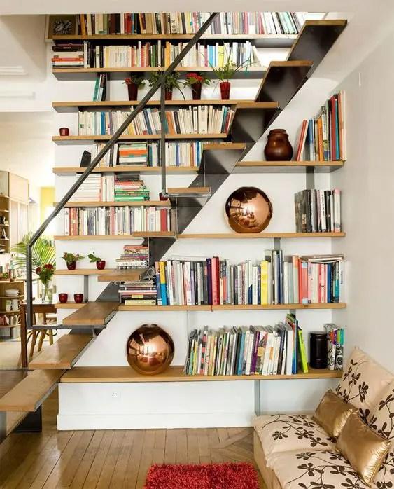 Aménagement escalier bibliothèque