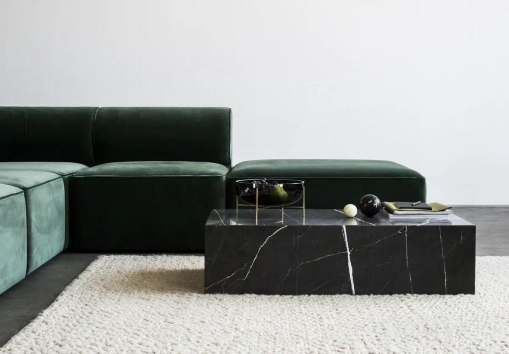 Table en marbre sur-mesure : le meuble indispensable pour un intérieur chic et raffiné