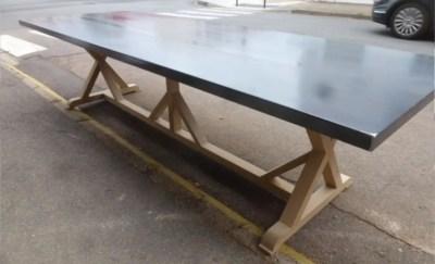 Table artisan en acier