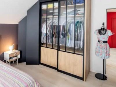 dressing en bois, portes coulissante en verre pour chambre