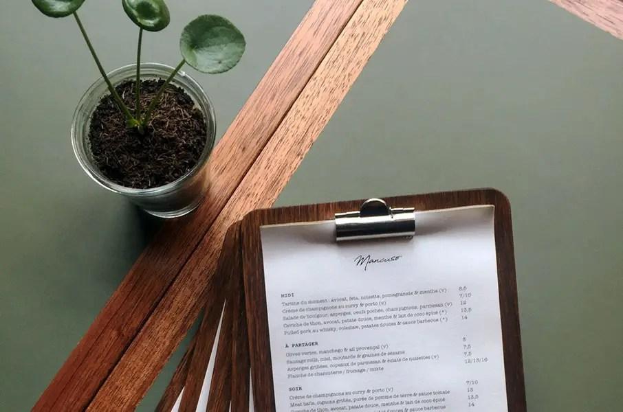 table bistrot sur mesure en acajou et lino