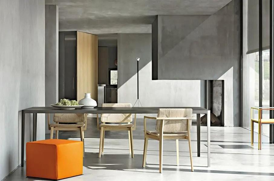 table en béton fine et élégante