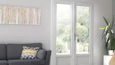 Porte fenêtre en PVC blanche