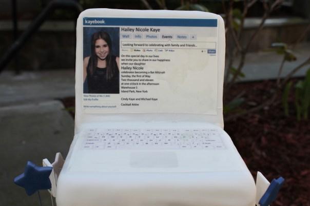 Macbook Cake Topper
