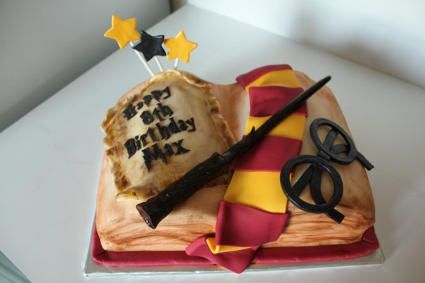 harry potter inspired cake lil 39 miss cakes. Black Bedroom Furniture Sets. Home Design Ideas